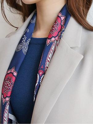裾ツアスカーフ