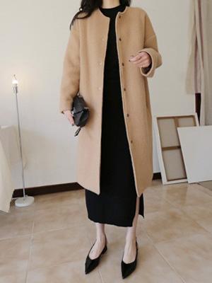 白装束ラウンドネックウールコート
