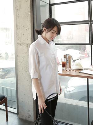 丸めホワイトシャツ